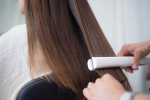 美髪縮毛矯正で必須アイロンテクニック