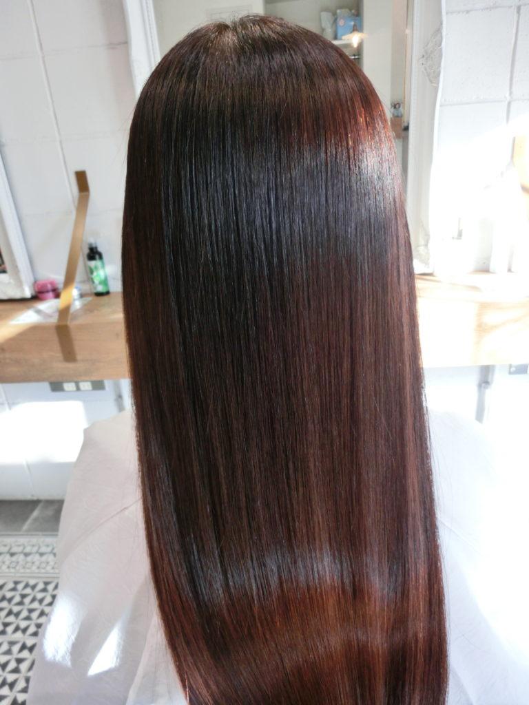 千葉市川市本八幡美容室natyの髪質改善技術、アクア保湿エンパニ、究極の美髪技術です。