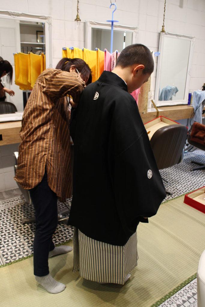 美容室袴の着付け